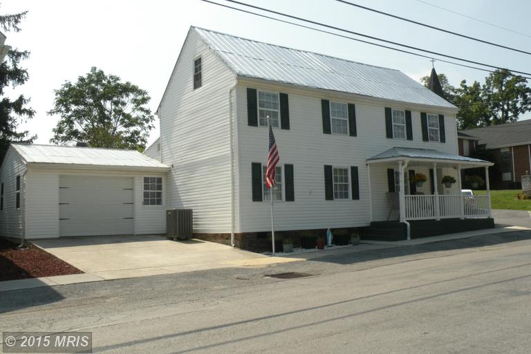 105 S Mary St, Hedgesville, WV 25427