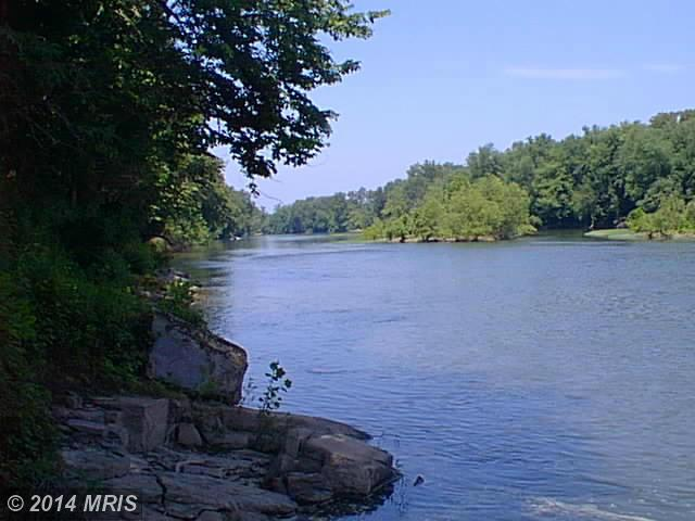 Pattys Pl, Falling Waters, WV 25419