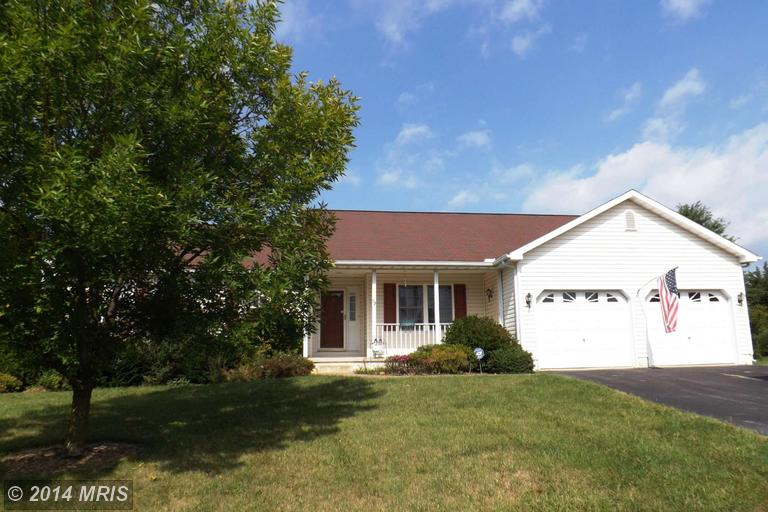 92 Haverford Ct, Falling Waters, WV 25419