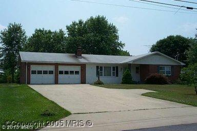 334 Woodbury Ave, Martinsburg, WV 25404