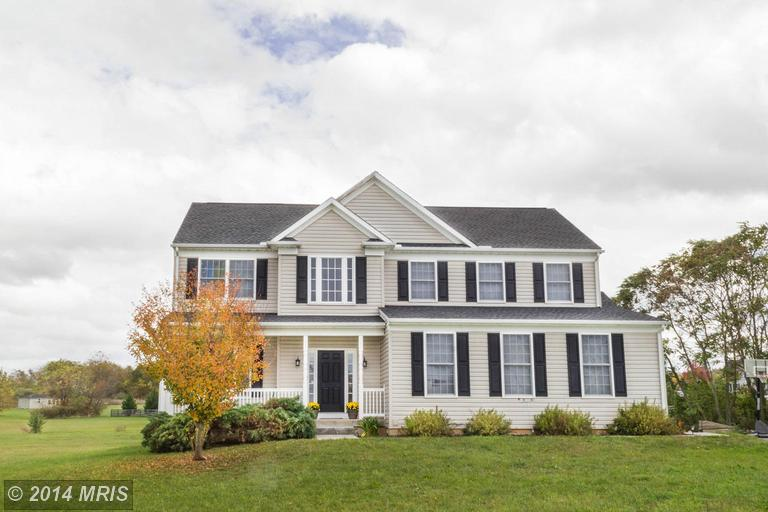 134 Durham Ct, Falling Waters, WV 25419