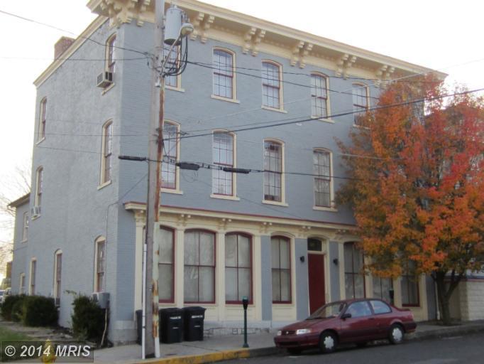 224 E Martin St, Martinsburg, WV 25401