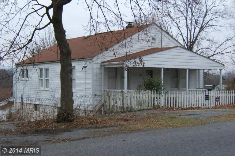 131 Fairfax St, Martinsburg, WV 25401
