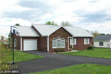 17 Pippin Dr, Martinsburg, WV 25403