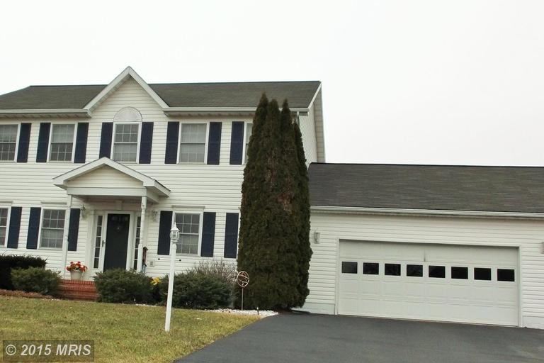 118 Haverford Ct, Falling Waters, WV 25419