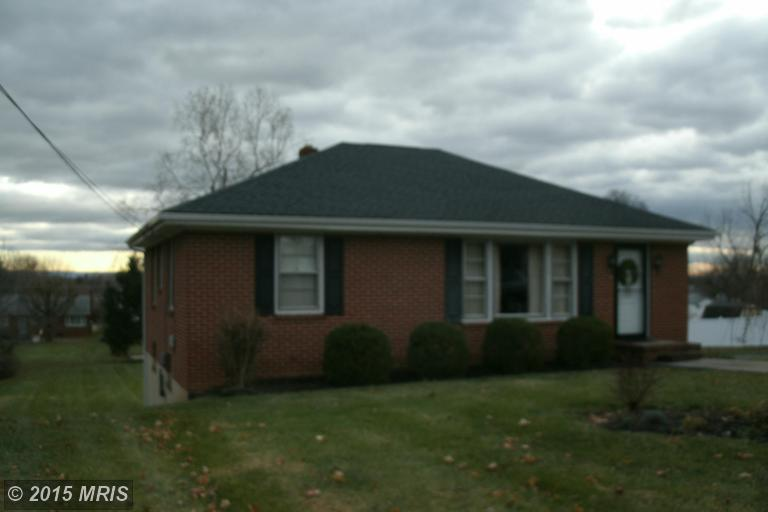 301 N Red Hill Rd, Martinsburg, WV 25401