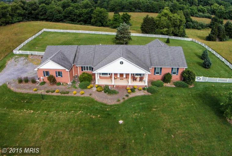 290 Bridle Path Dr, Martinsburg, WV 25404