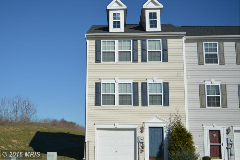 64 Witherspoon Ct, Falling Waters, WV 25419