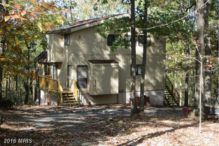 142 Winter Camp Trl, Hedgesville, WV 25427