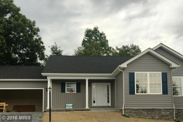 Shannon Ct, Inwood, WV 25428