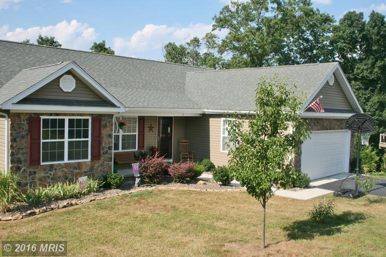 3 Lure Ct, Inwood, WV 25428