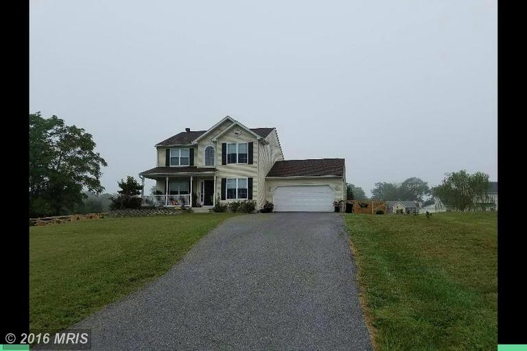 39 Viceroy Dr, Falling Waters, WV 25419