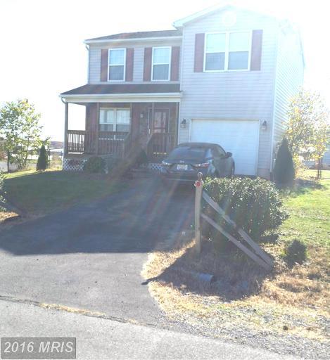 860 Teal Rd N, Martinsburg, WV 25405