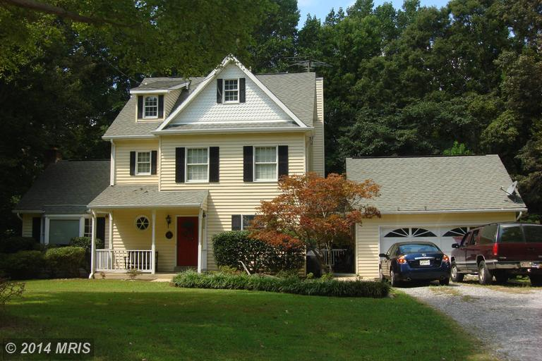 2540 Fawn Ln, Prince Frederick, MD 20678