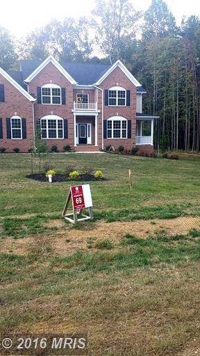 Image of Residential for Sale near Waldorf, Maryland, in Charles county: 3.04 acres