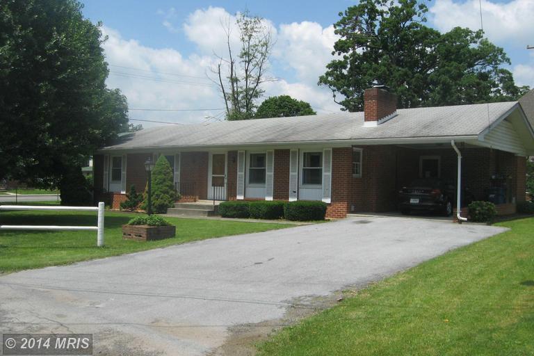 5 Smith St, Berryville, VA 22611