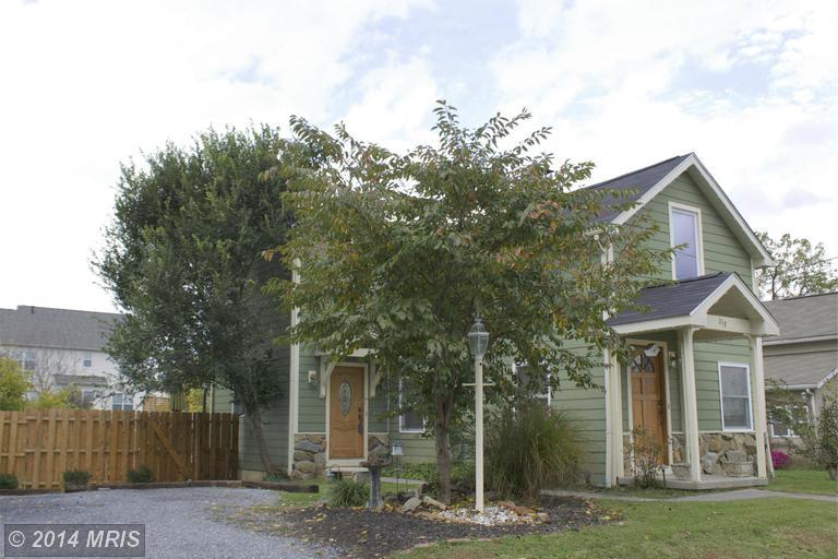 319 1st St, Berryville, VA 22611