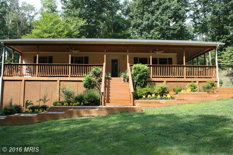 93 White Pine Ln, Boyce, VA 22620