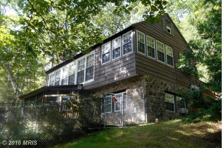 596 Laurel Ln, Bluemont, VA 20135