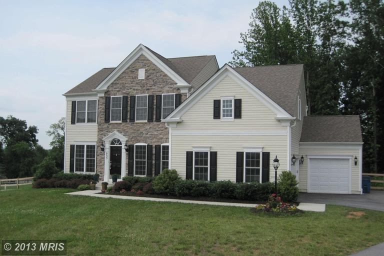 933 Open Field Ct, Westminster, MD 21157