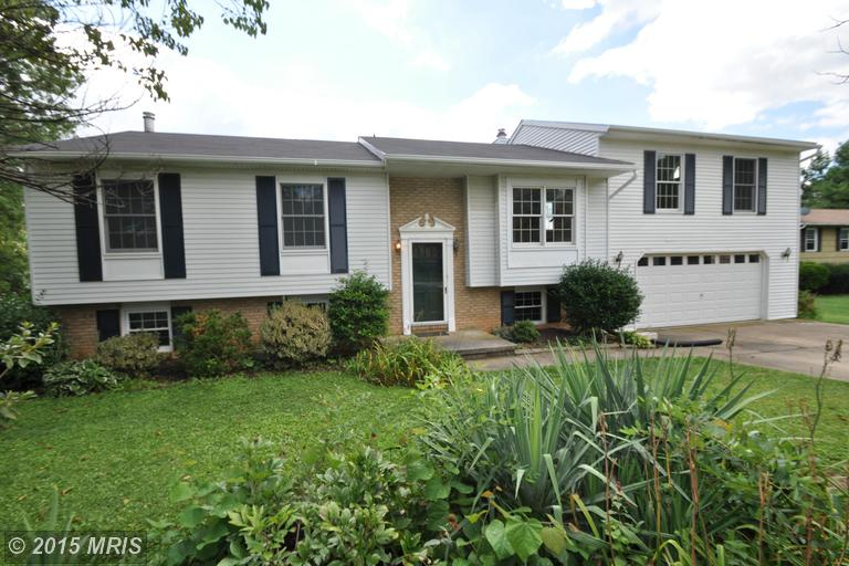 4303 Wolf Hill Dr, Hampstead, MD 21074
