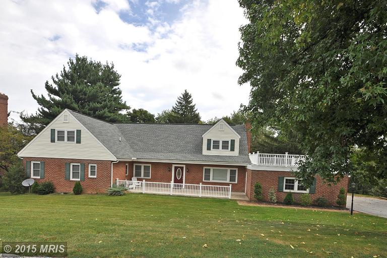 719 Winchester Dr, Westminster, MD 21157