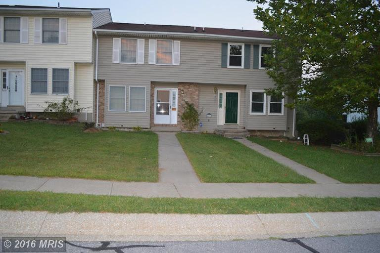 4336 Sycamore Dr, Hampstead, MD 21074