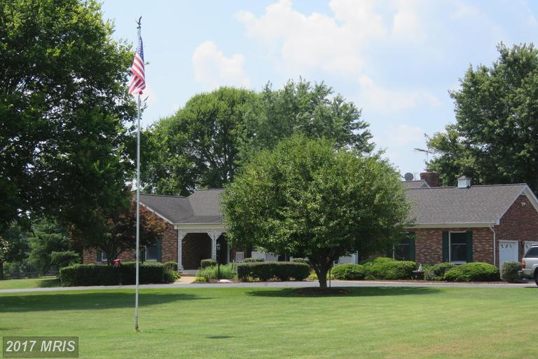 4254 Holly Dr, Amissville, VA 20106