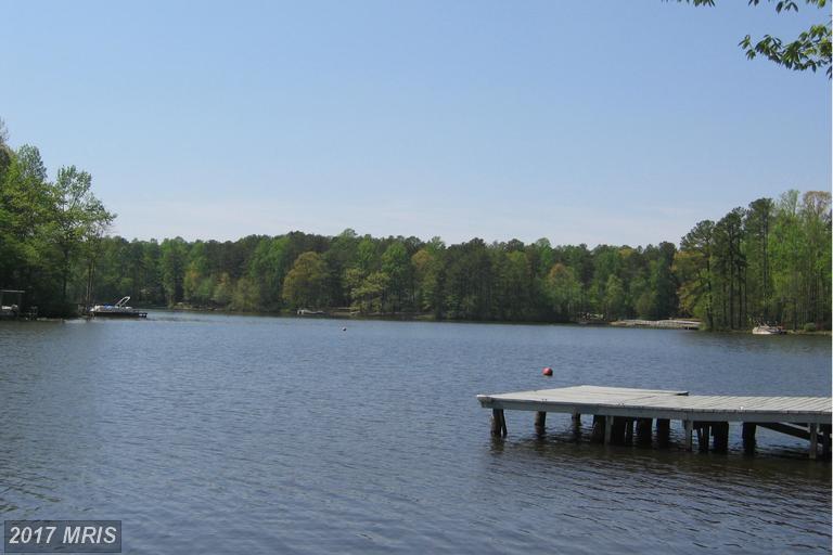528 Lake Caroline Dr, Ruther Glen, VA 22546