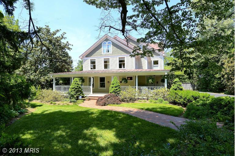 206 S Oak St, Falls Church, VA 22046