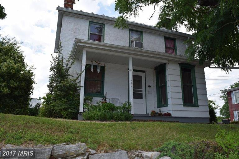 Colonial, Detached - GREENCASTLE, PA (photo 2)