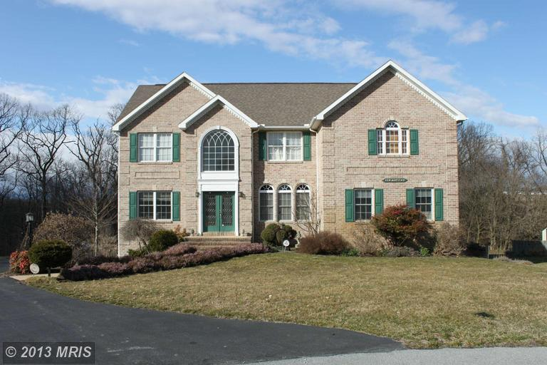 8140 Golf Vista Dr, Greencastle, PA 17225