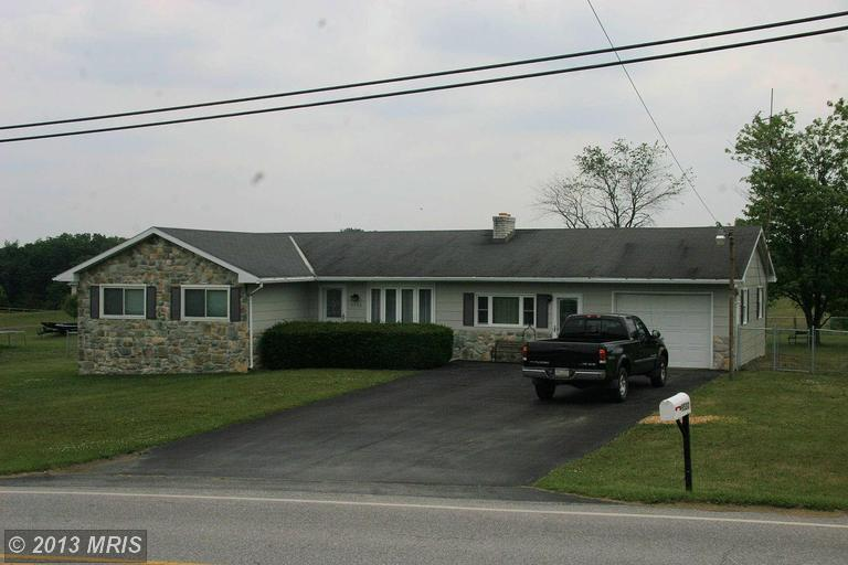 9530 Willowdale Rd, Greencastle, PA 17225