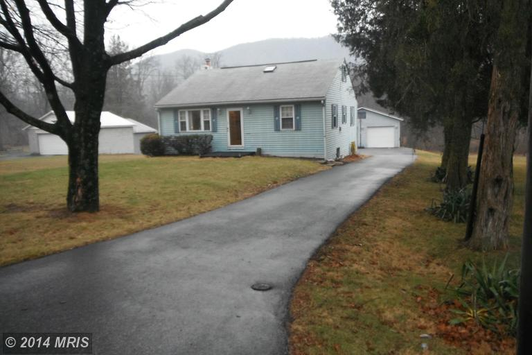 928 Path Valley Rd, Fort Loudon, PA 17224