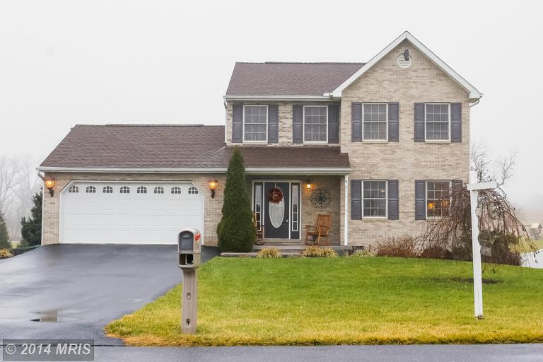 1835 Paulmark Ave, Greencastle, PA 17225