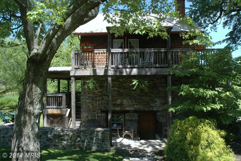 15431 Summit Farm Dr, Blue Ridge Summit, PA 17214