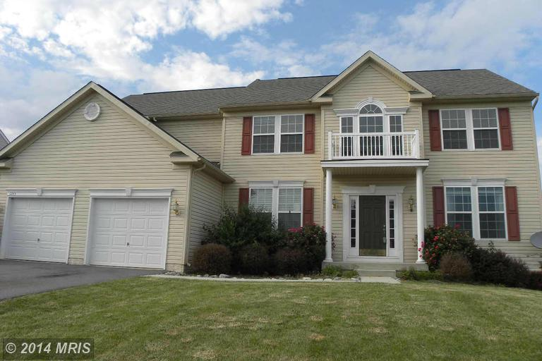 1245 E Pebblebrook Dr, Greencastle, PA 17225