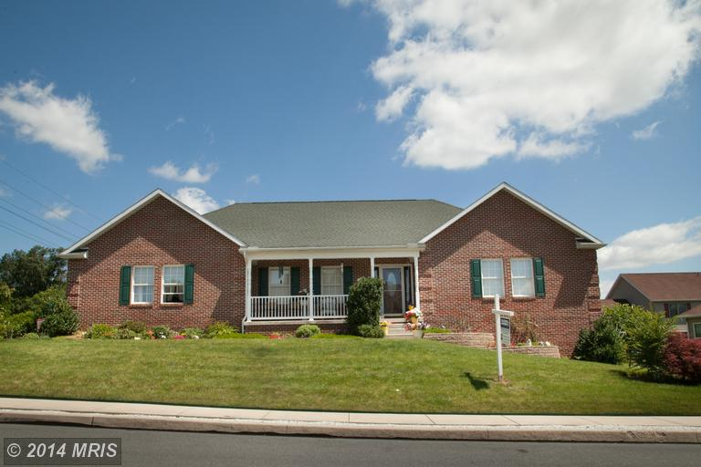 365 Bluebird Trl, Greencastle, PA 17225