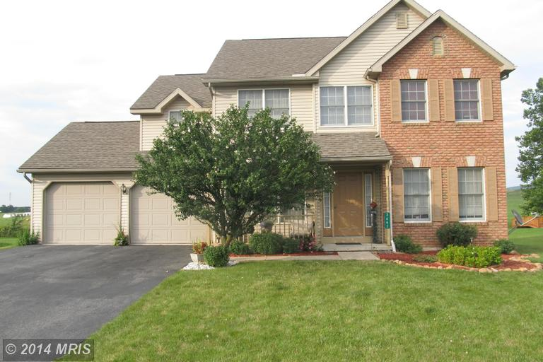 3665 Valley View Dr, Chambersburg, PA 17202