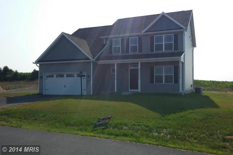 9186 Lindale Ave, Greencastle, PA 17225