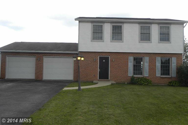 142 Hickory Dr, Fayetteville, PA 17222