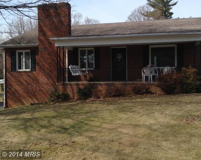 45 Eastland Cir, Waynesboro, PA 17268