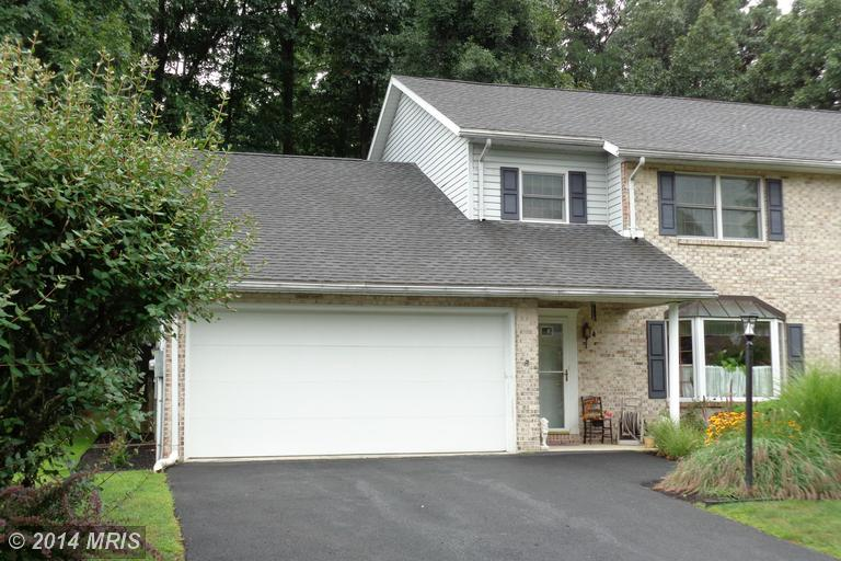 6224 Greenbriar Ter, Fayetteville, PA 17222