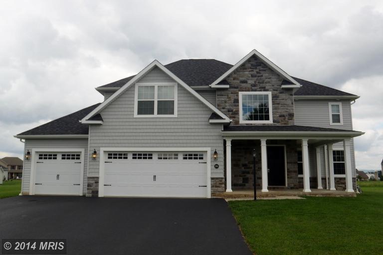 5881 Gabrielle Ln, Chambersburg, PA 17202