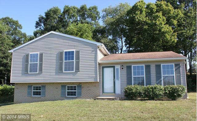 8837 Willowdale Rd, Greencastle, PA 17225