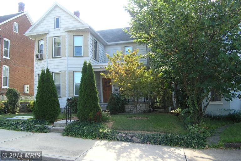215 S Broad St, Waynesboro, PA 17268