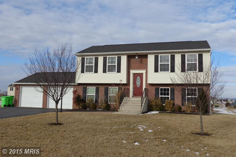 15305 Cobble Dr, Greencastle, PA 17225