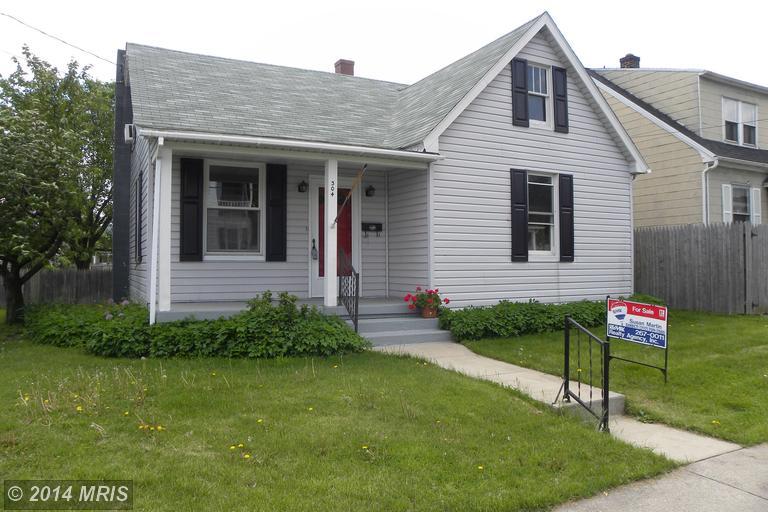 304 High St, Chambersburg, PA 17201