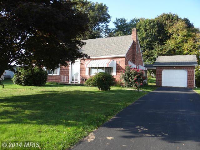 302 Cornertown Rd, Chambersburg, PA 17201