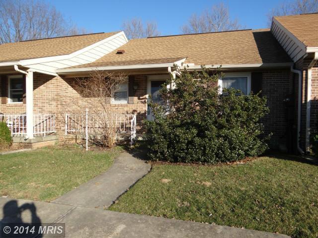 870 Rustic Hill Dr, Chambersburg, PA 17201